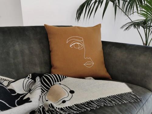 Linen cushion cover KISS