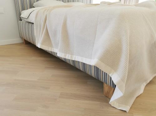 Merino wool bedspread