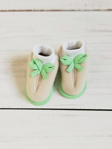 Cute newborn wool shoes