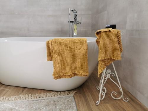 Bathroom linen towel